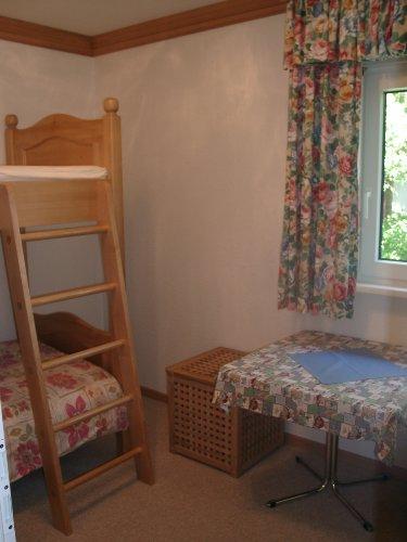 zweites Schlafzimmer mit Stockbetten
