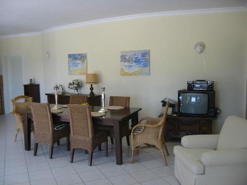 Essbereich zw Wohnzimmer + K�che