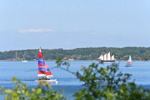 Segelboote auf der Förde