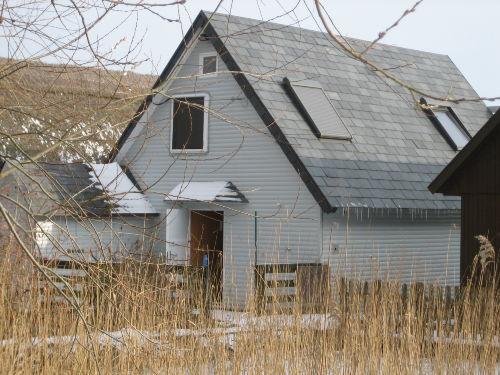 Bootshaus von der Landseite im Winter