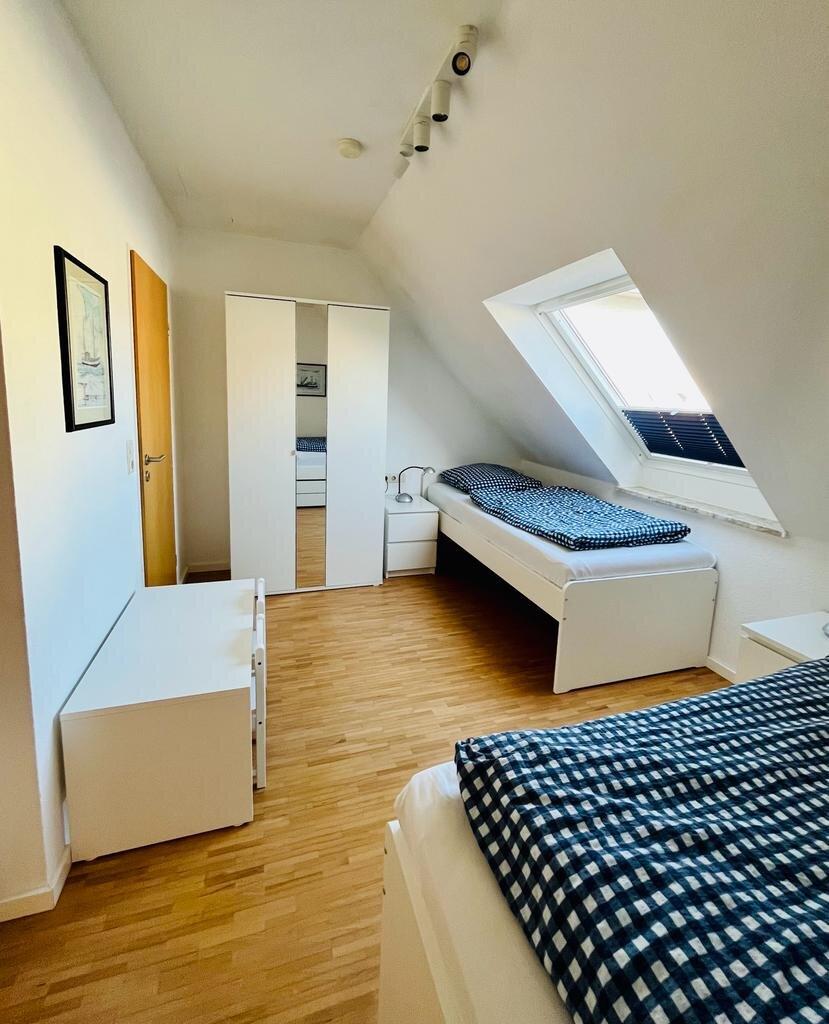 Zweibettschlafzimmer im 2. OG