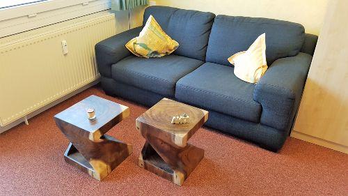 Sofa, bequem und nicht ausziehbar.