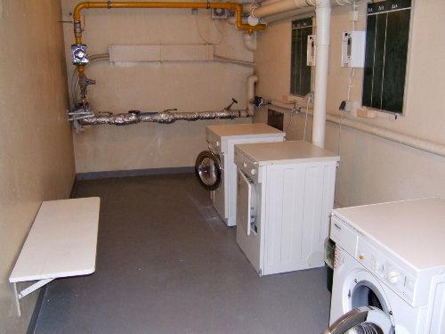 Wasch- und Trockenmöglichkeit im Keller