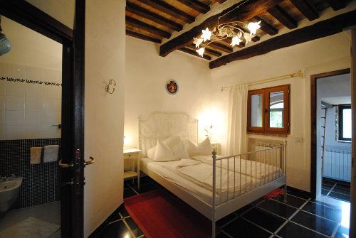 2. Schlafzimmer Bett 140cm