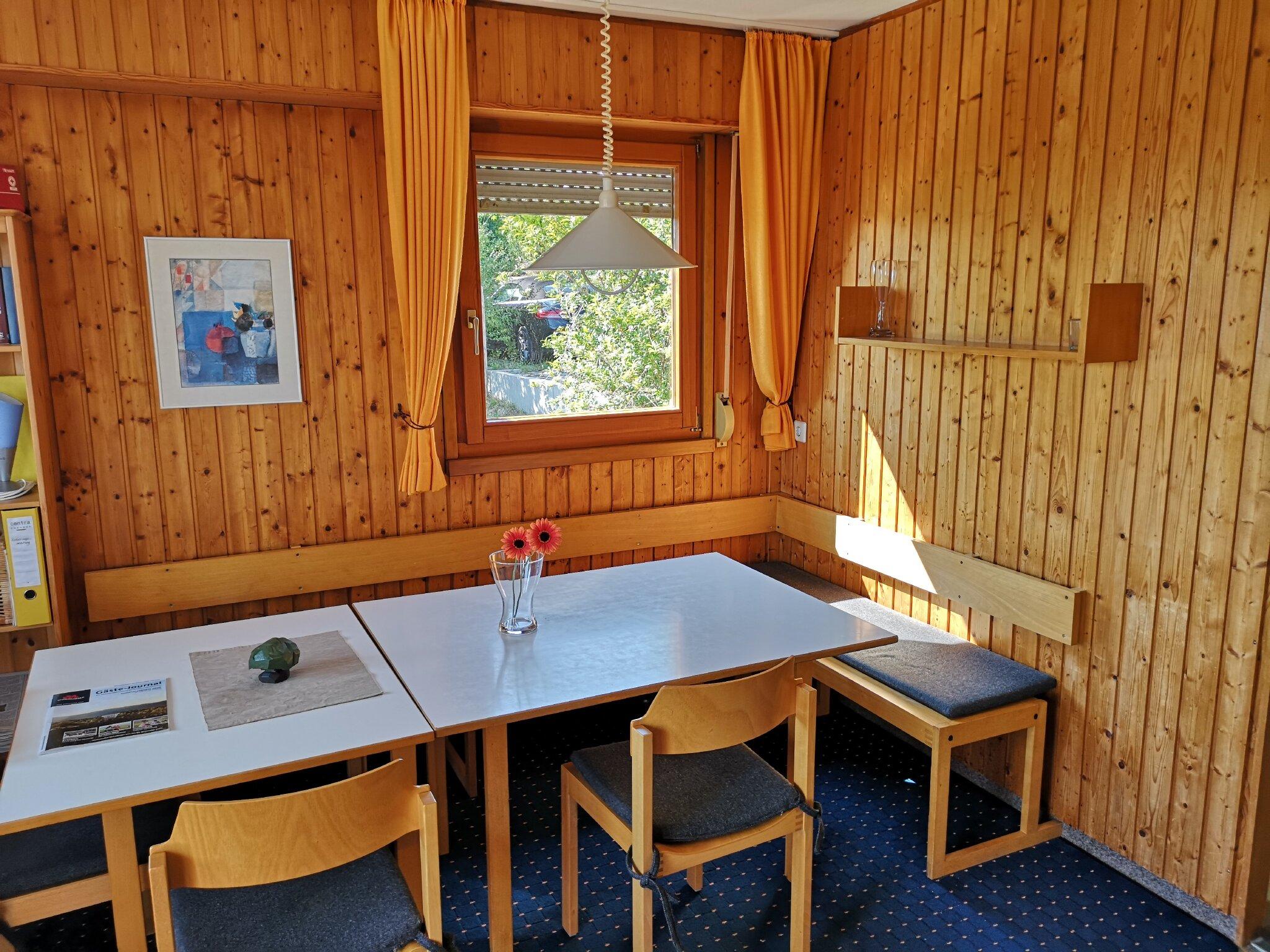 Essecke im Wohnzimmer/Balkonwohnung