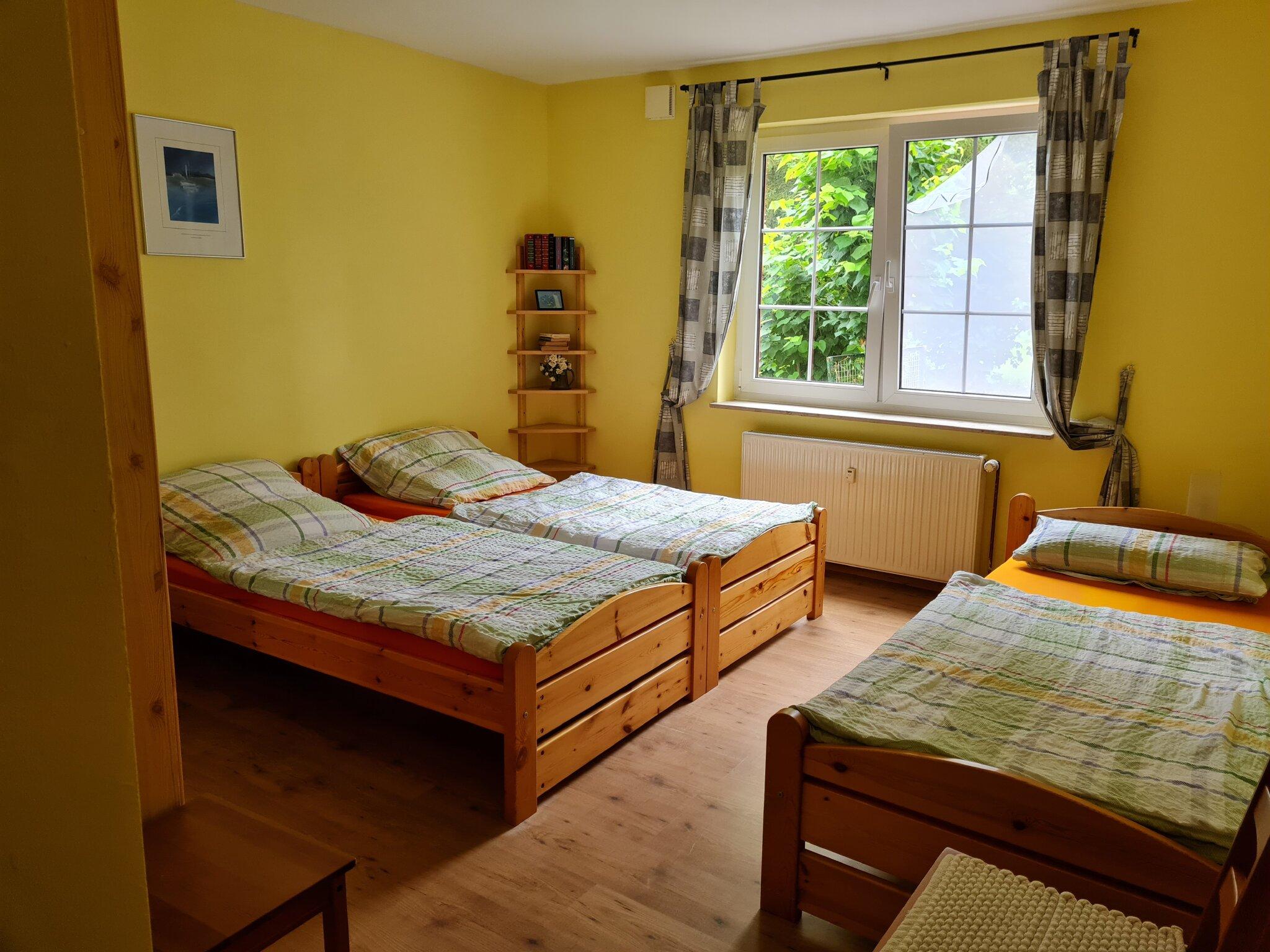 Wohnung 1 Schlafzimmer links