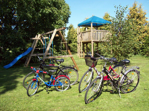 Spielecke und Fahräder