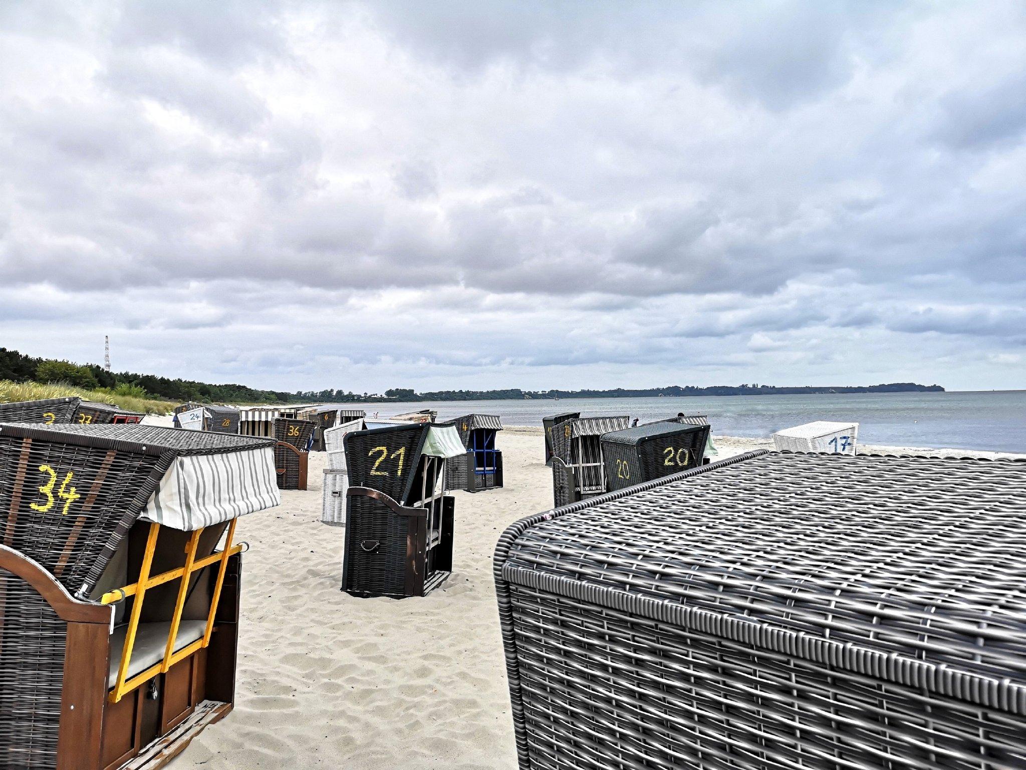 Nahliegender Ostseestrand im Mai