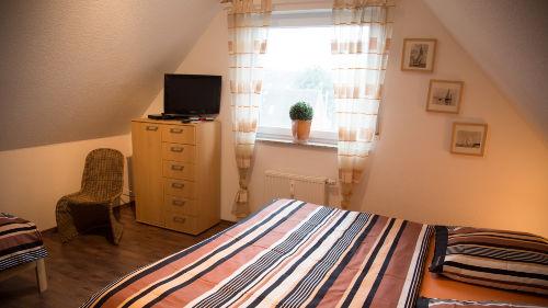 1 Doppelbett 1 Einzelbett und TV