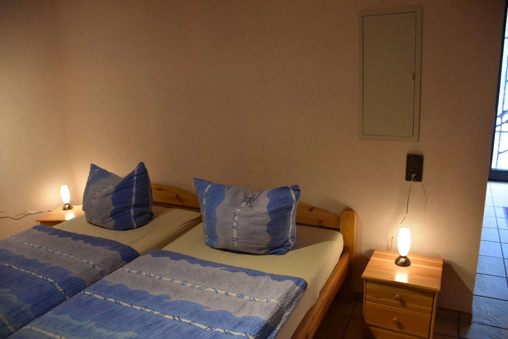 Schlafzimmer mit 5türigem Kleiderschrank