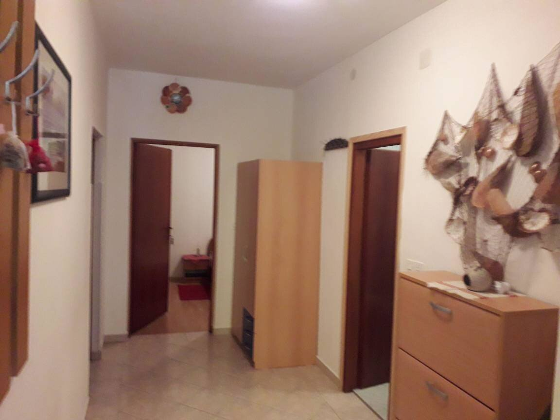 alle 3 zimmer hat badzimmer und balkon