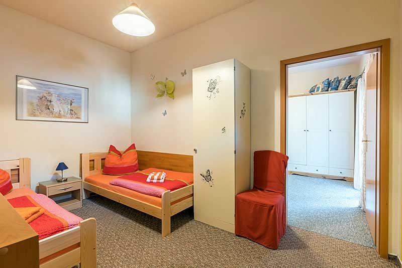 Schlafzimmer 1 mit 2 Einzelliegen