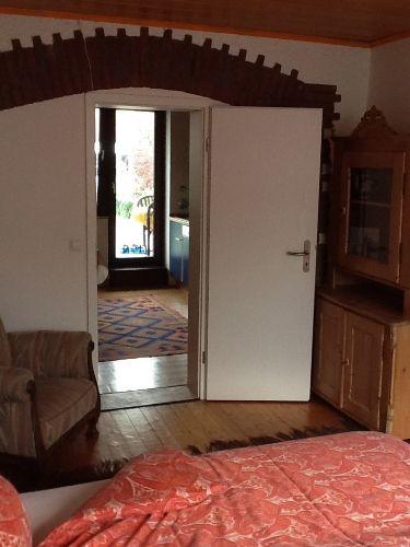 FeWo 1 Blick vom Doppelzimmer zur Küche