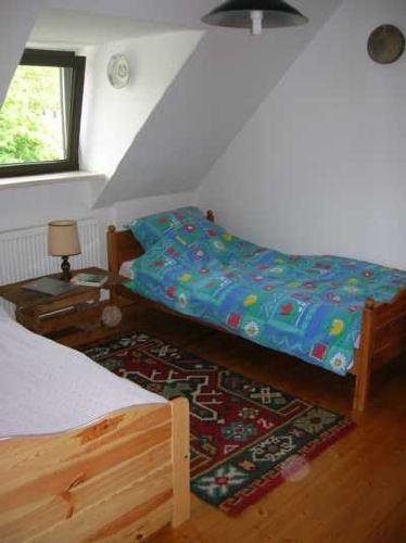 Blick von Tür zum Einzelbett Zimmer