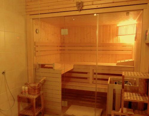 Zubuchbar: die Sauna