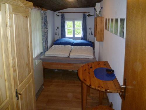 1. Schlafzimmer, Bett 200 x 140 cm