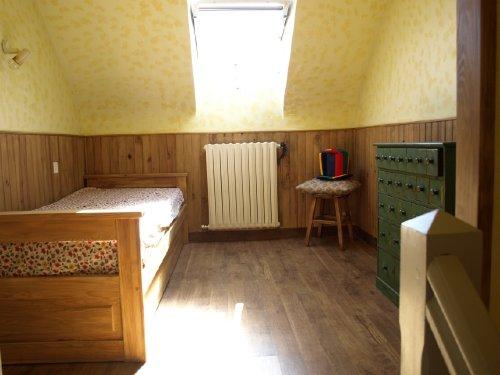 Schlafzimmer mit Ausziehbett