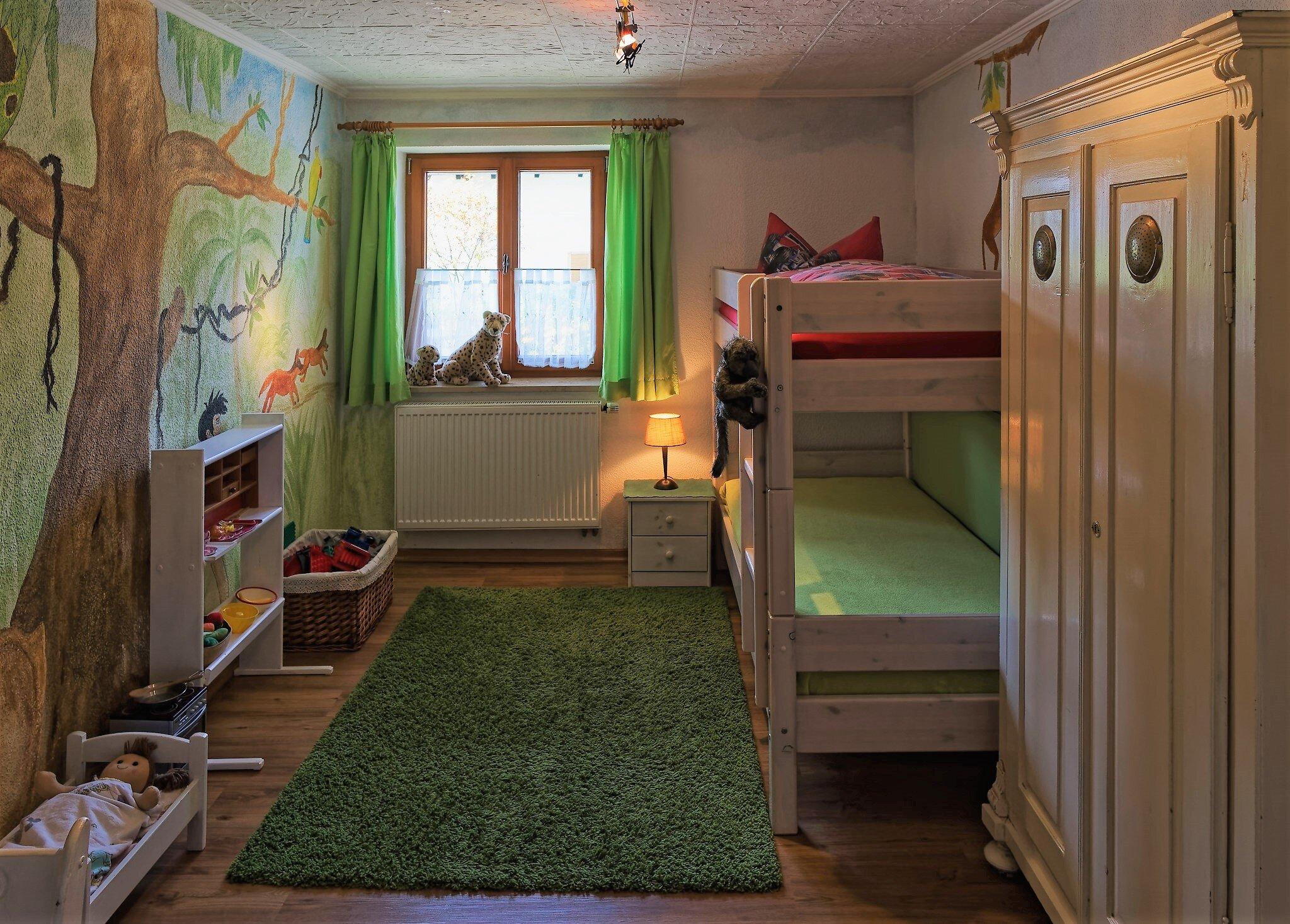 Dschungel Kinderzimmer +Spielzeug