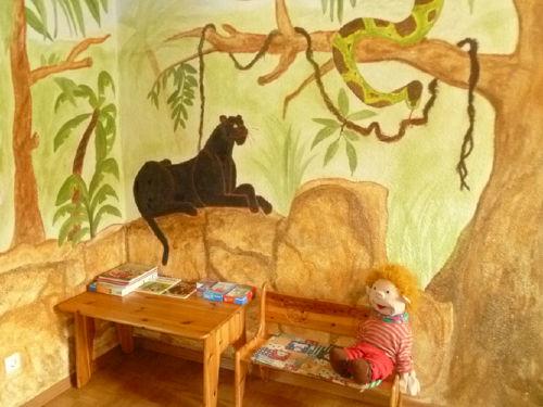 Kinderzimmer mit Dschungelabenteuer