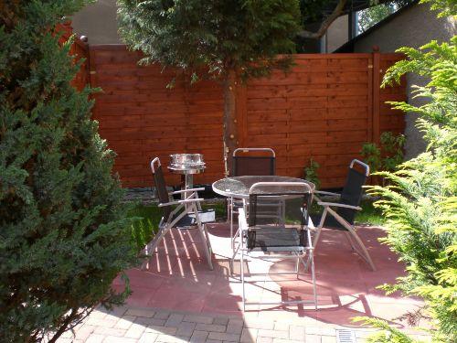 Sitz- und Grillecke im Garten