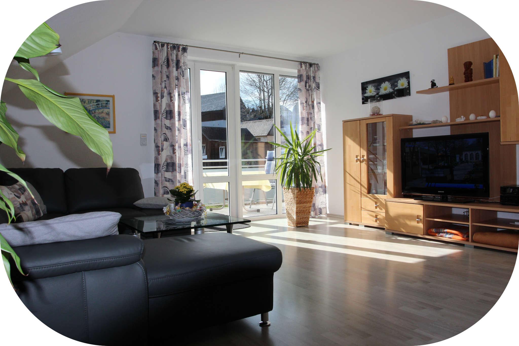 Wohnzimmer mit HDTV Fernseher
