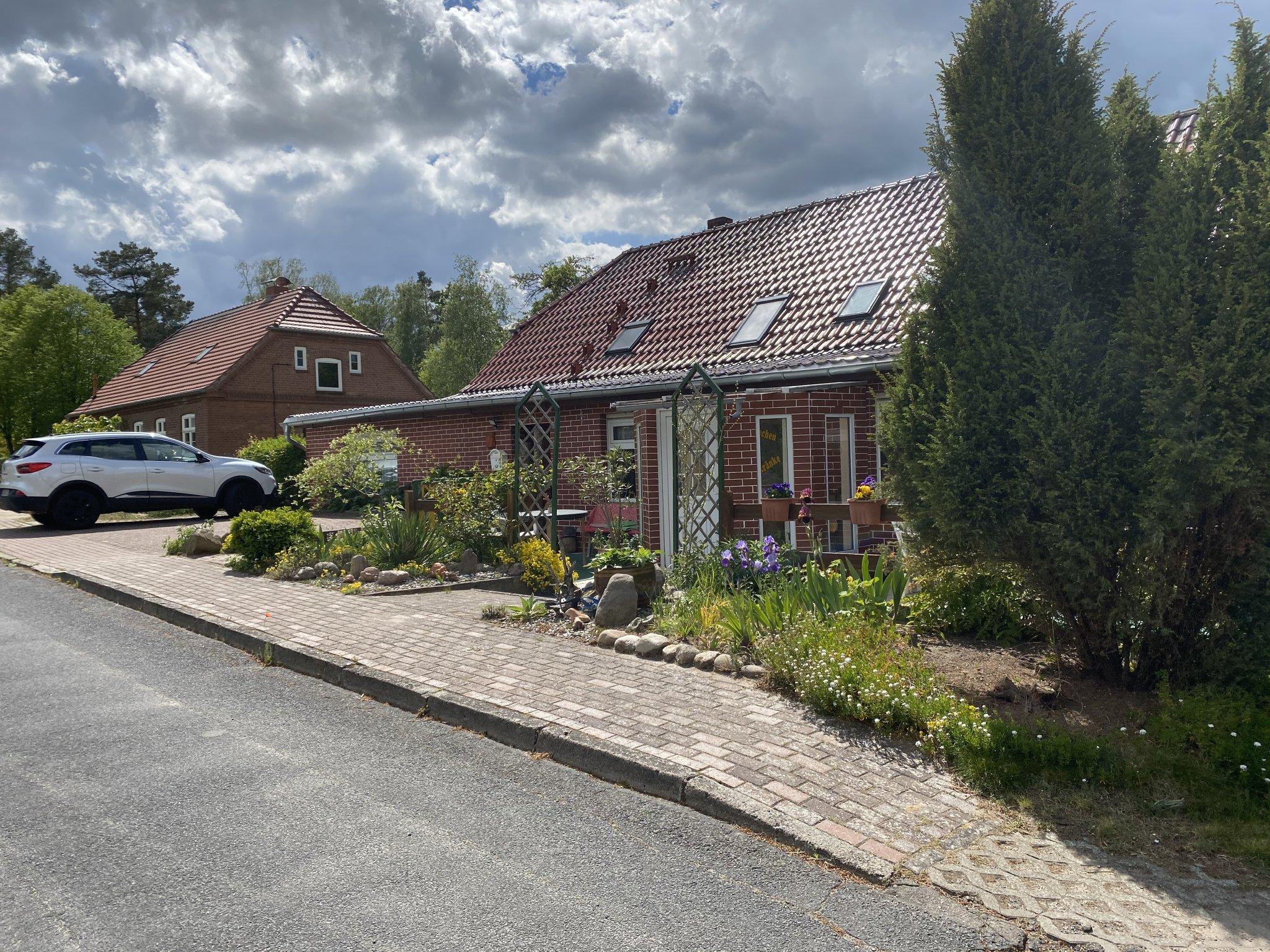Haupthaus ,Vorderansicht / Fewo 3 rechts