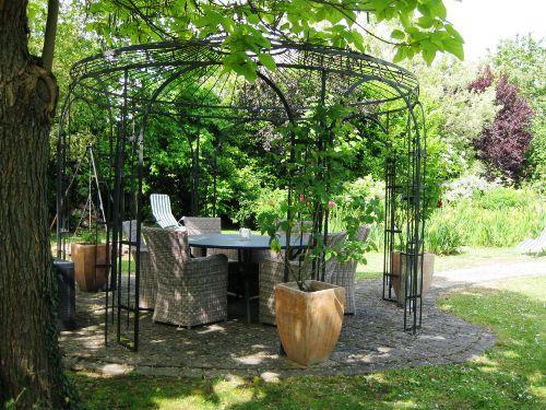 Romantischer Pavillon