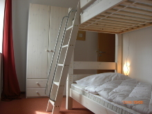 Schlafzimmer m. Etagenbett 90x200+1 Bett