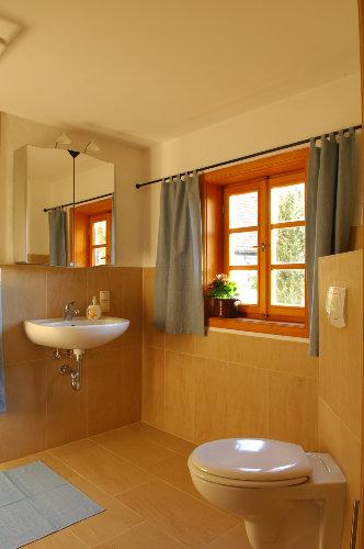 Bad zu Gästezimmer OG