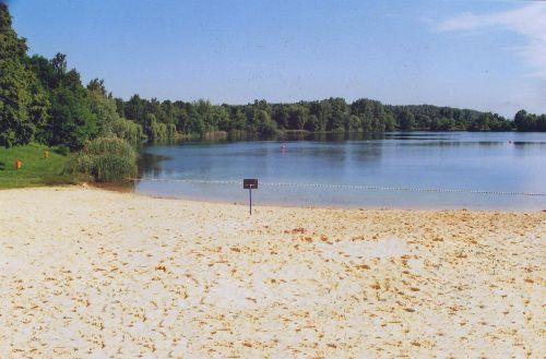 Sandstrand am See an der Geistmühle