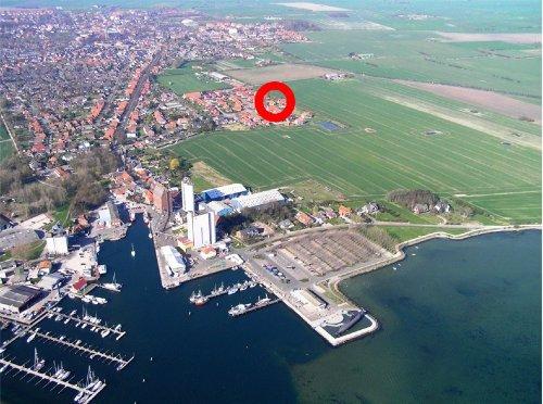 Fischerei- und Yachthafen- Lage Haus