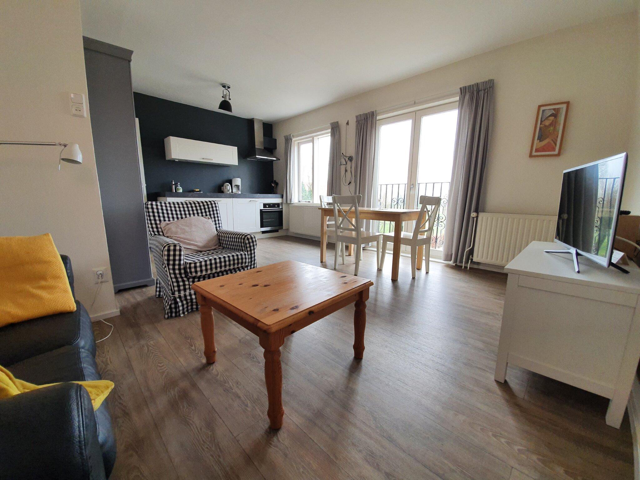 Wohnzimmer mit Franzosisch Balkon