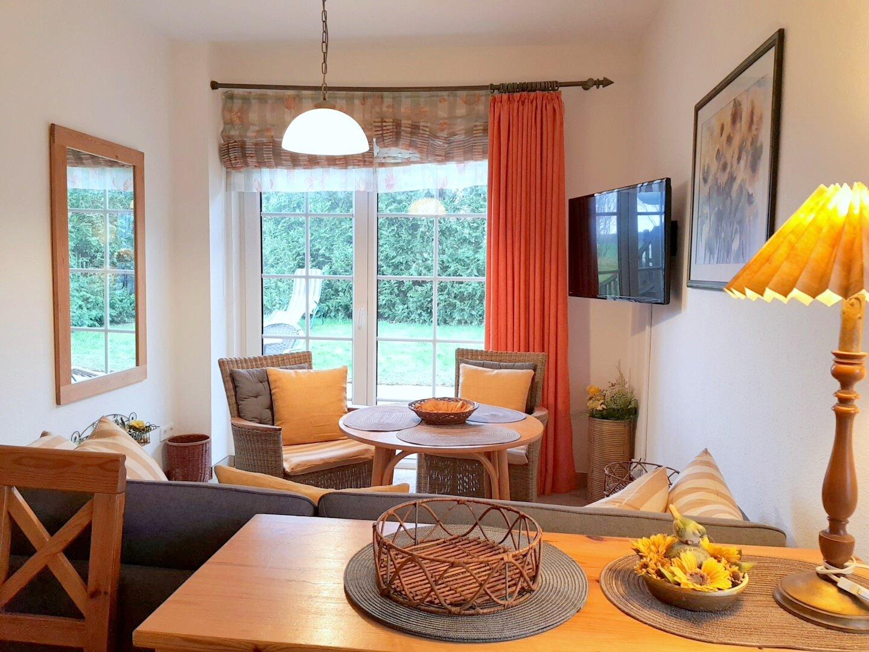 Wohnzimmer - Blick zur Terrasse