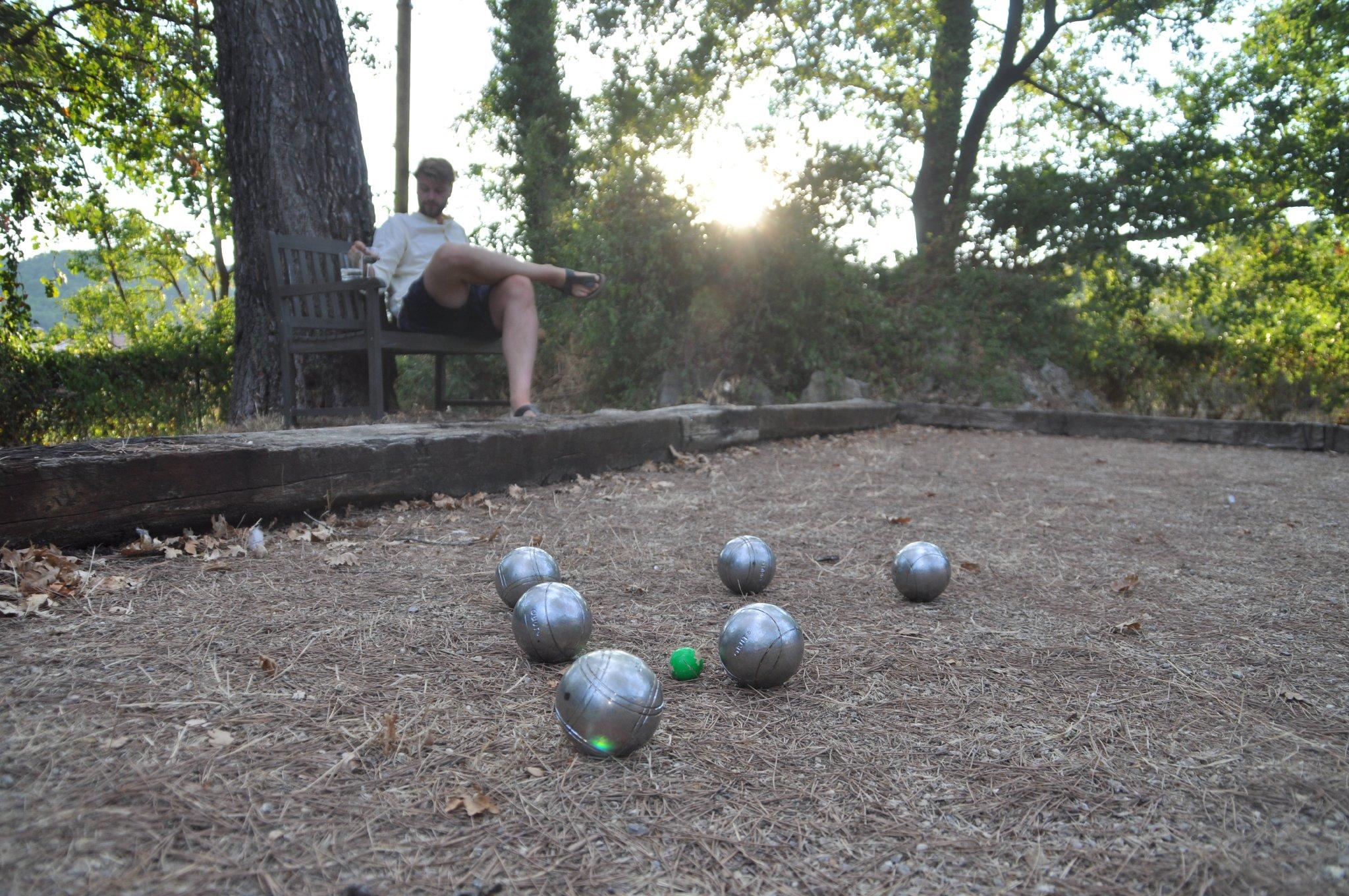 ...zum Boule Spielen bei uns ...