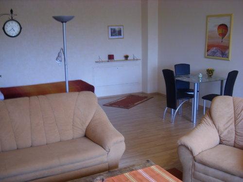 Wohnzimmer mit E�bereich
