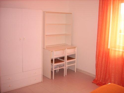 Schlafzimmerschrank mit Schreibtisch