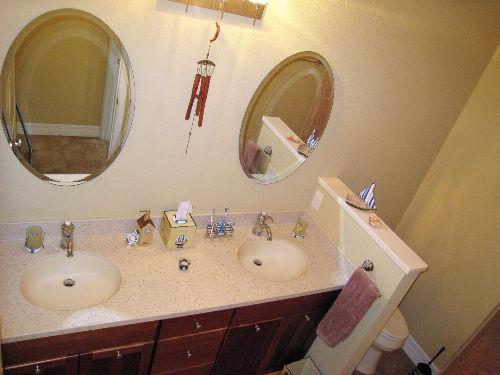 Badezimmer mit römischer Dusche + sep.WC