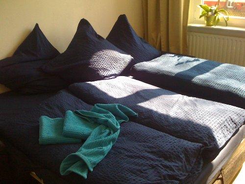 3er Couch in ausgezogenem Zustand:riesig
