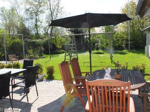 Terrasse mit Blick auf die Spielger�te