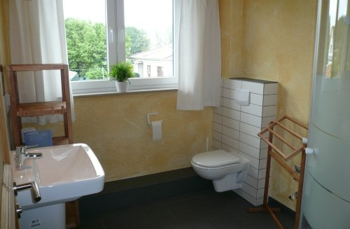 Bad mit Fenster und Fu�bodenheizung