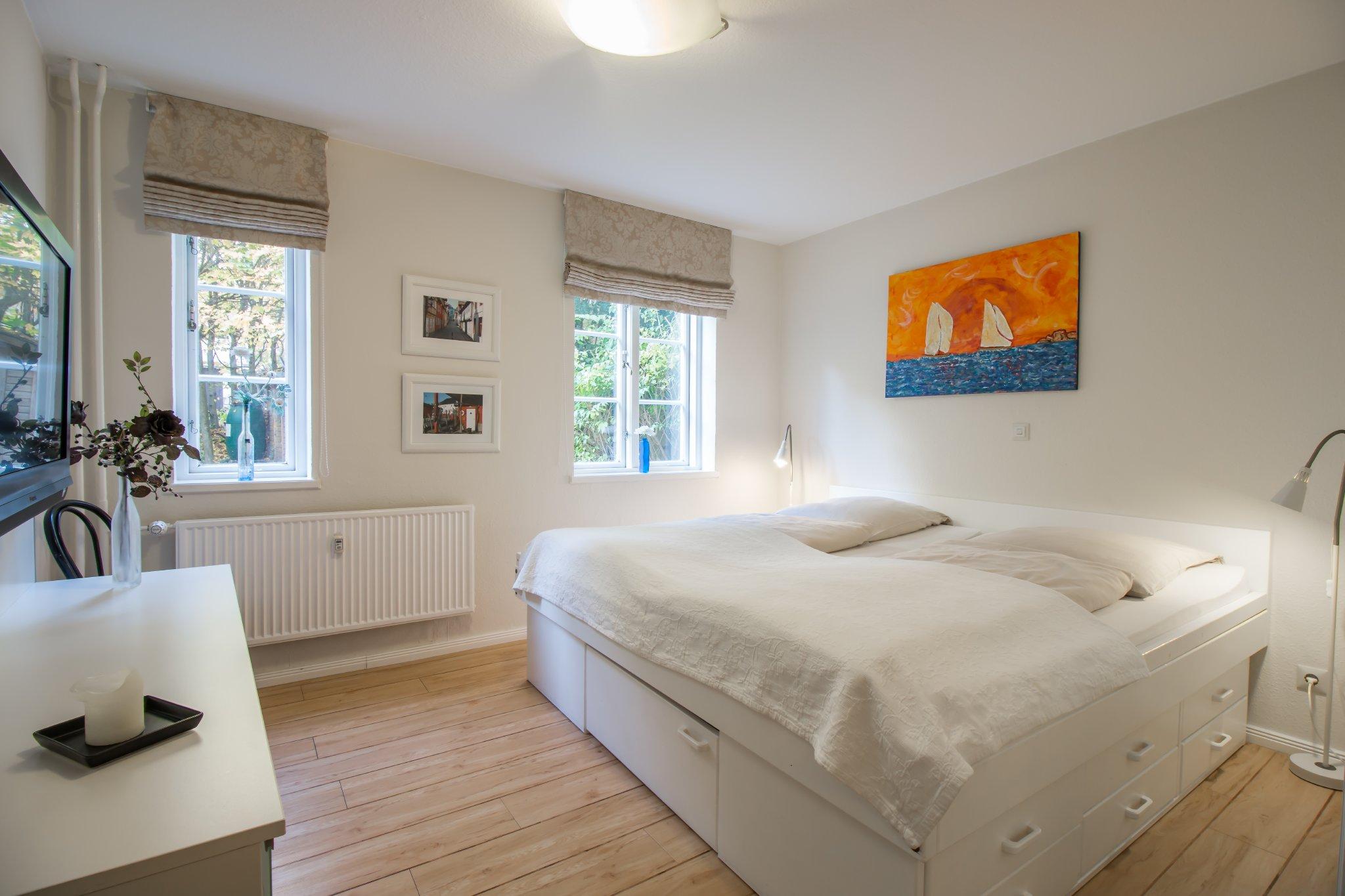 Freundliches und helles Schlafzimmer
