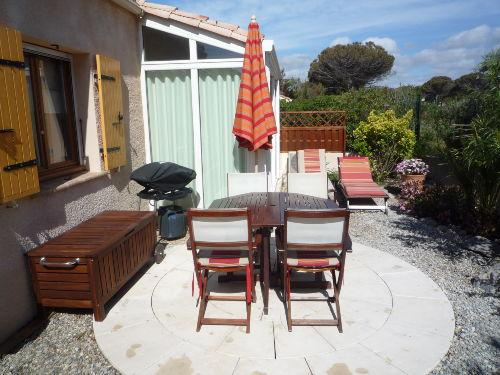Garten und Terrasse.