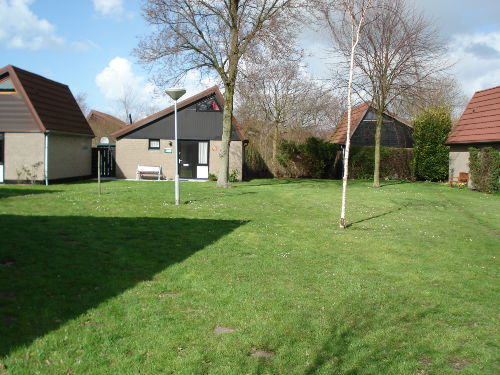 Haus 106 mit großer Spielwiese