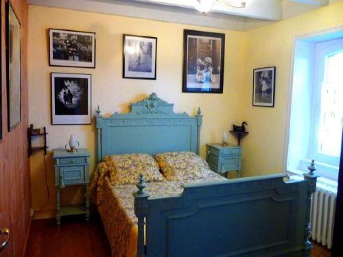 Schlafzimmer mit Bett 120 cm breit