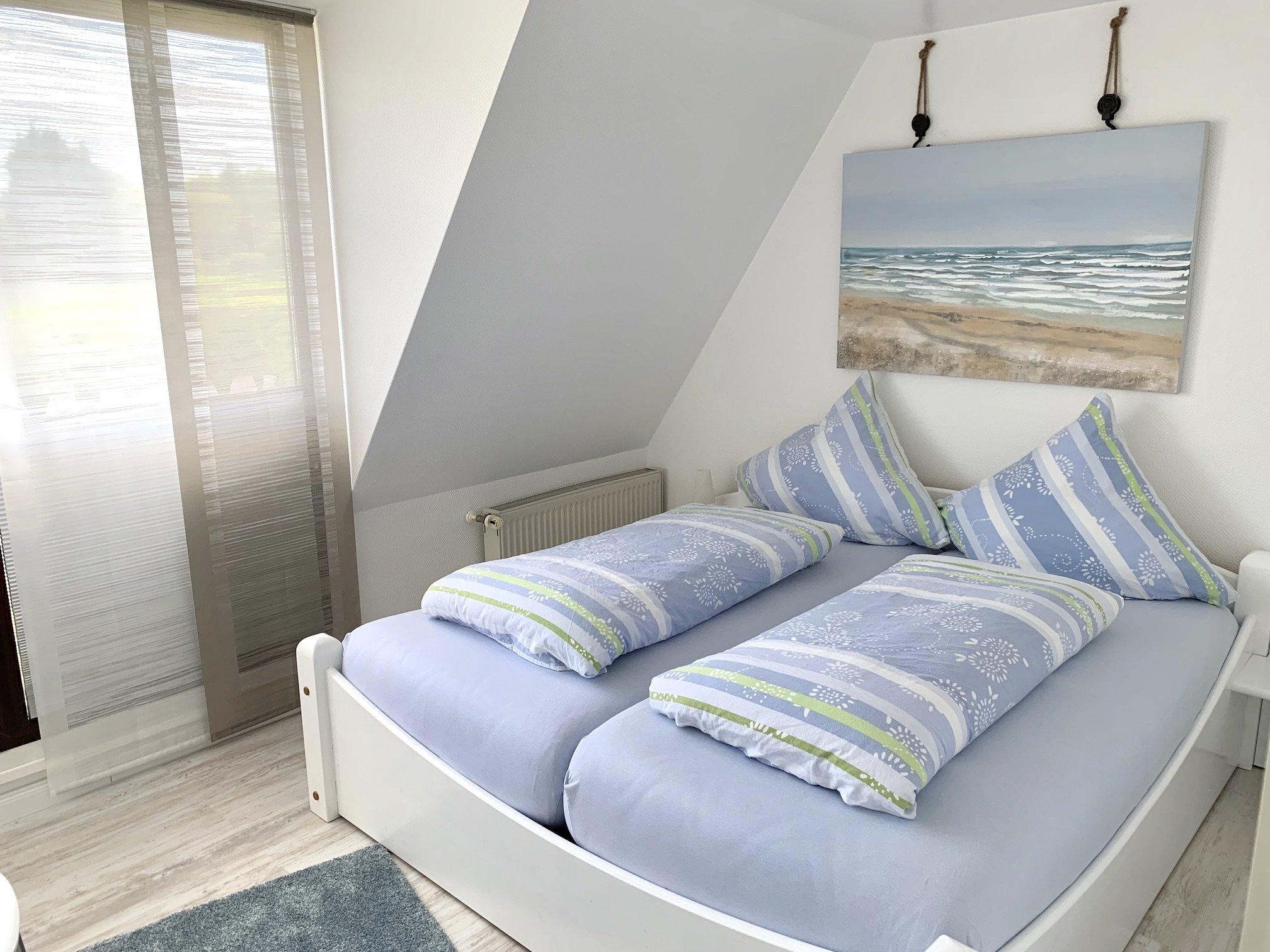 Schlafzimmer mit Einzelbett 90x200 cm