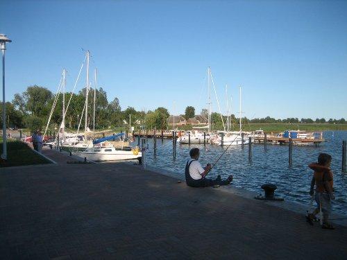 Am Hafen in Puddemin
