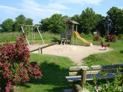 Kinderspielplatz auf dem Gel�nde