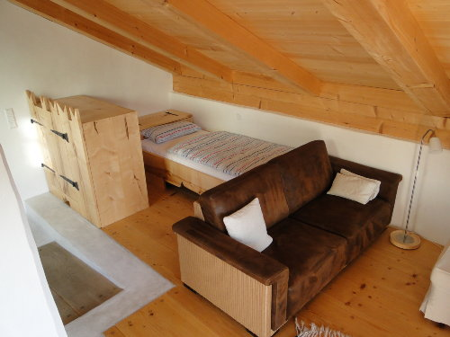 drittes, fest eingebautes Bett / Galerie