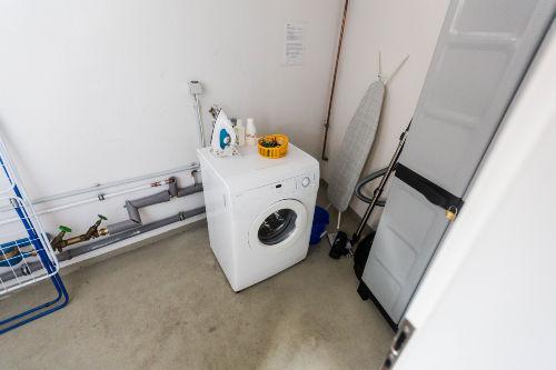 Keller-HAR mit Waschmaschine