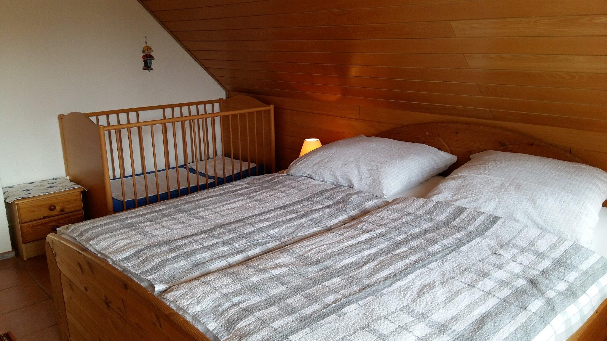 Schlafzimmer 3 mit Balkon